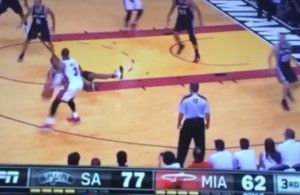 Vine-Dwyane-Wade-crosses-up-Boris-Diaw-spin-move