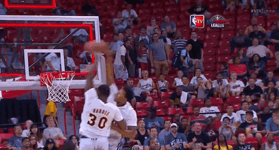 GIF-2-different-Lakers-attempt-to-dunk-same-alley-oop