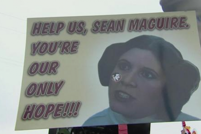 top-10-funniest-gameday-signs-from-florida-state-clemson-Sean-Maguire