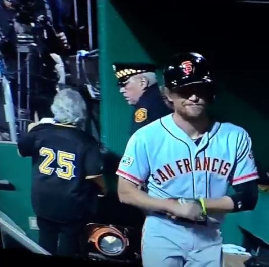 vine-old-pirates-fan-gets-lost-ends-up-in-giants-dugout