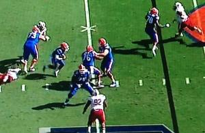 gif-florida-blocks-their-own-teammates-again-vs-south-carolina