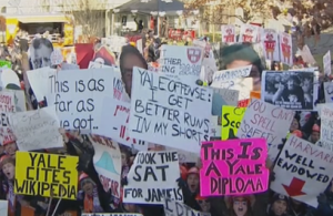 top-10-funniest-gameday-signs-from-yale-harvard